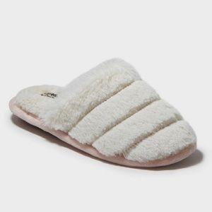 NWT (M 7-8) Women's Dearfoam Slippers